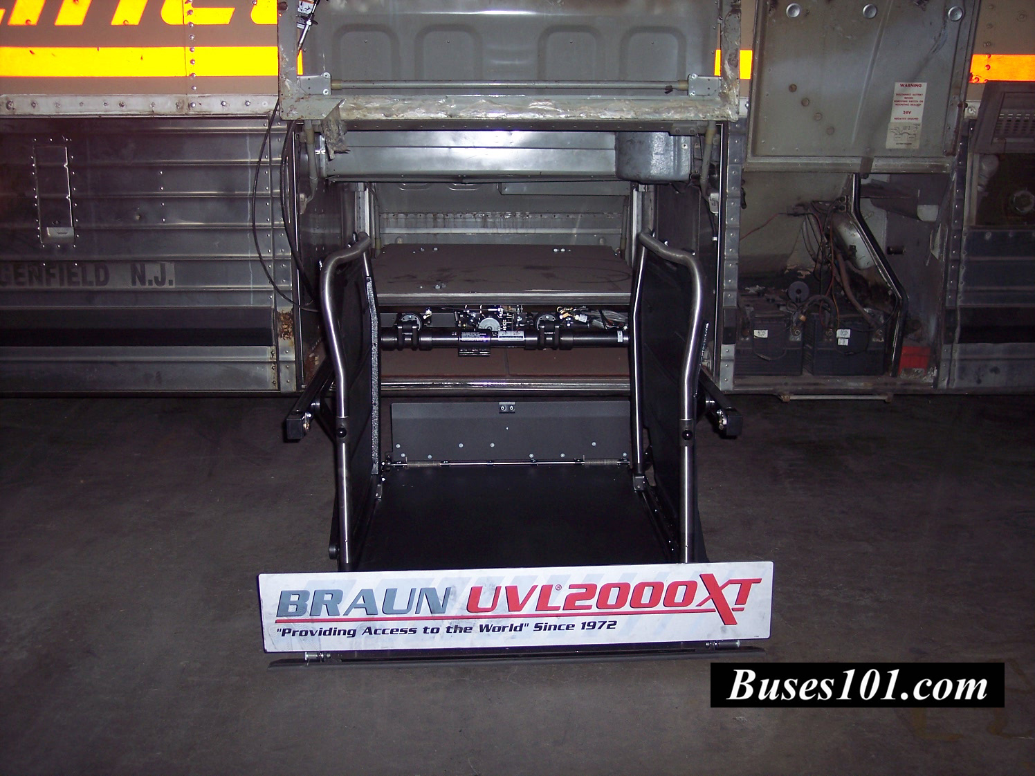 Parcel Wheelchair Lift